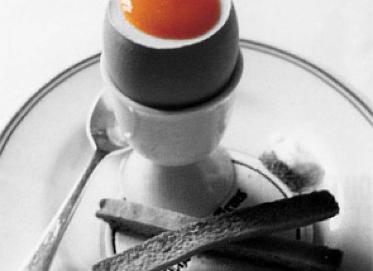 2005 egg 01